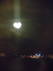 Aww Bermuda moon, I love you too!